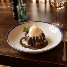 Sticky toffee date pudding